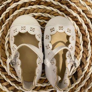 Gymboree white dress baby girls shoes 4 new